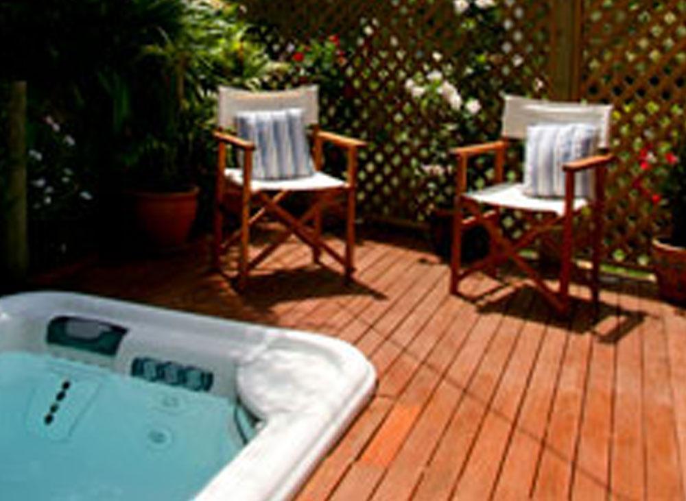 Garden Suite - outdoor spa